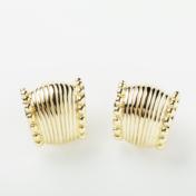 14kt Gold Earring