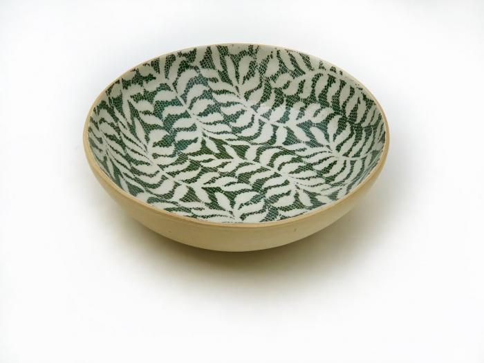 Medium Serving Bowl Fern Pine