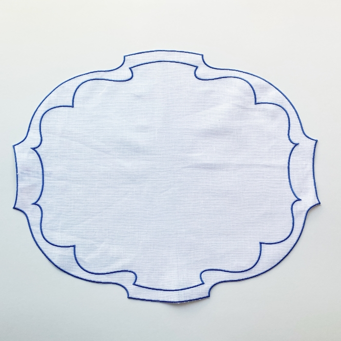 Parentesi Oval White with Periwinkle placemat