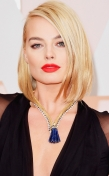Margot Robbie in Van Cleef Zip Necklace